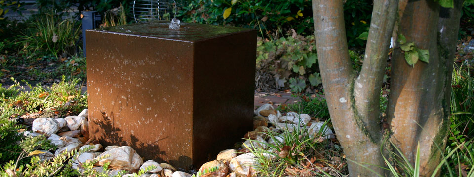 Cortenstahl-Brunnen